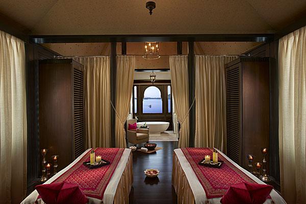 1432983541 spa tent interior600 - Khi nào nên cải tạo nội thất - Thiết kế Spa